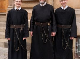 Brothers on the bagpipes – Sons of the Most Holy Redeemer