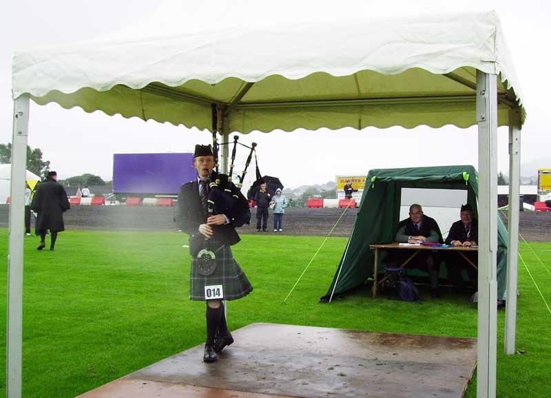Darach Urquhart competing at Cowal in 2013.