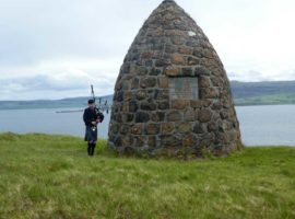 Boreraig – the first pipers at the cairn