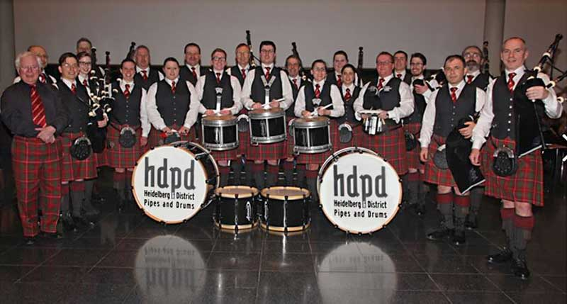 Bob McFie with Heidelberg & District Pipe Band.