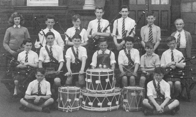 Broughton Pipe Band, 1959/60 with Elizabeth Somerville.