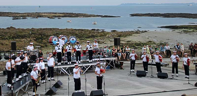 Bagad Lann-Bihoué playing at a theatre beside the Atlantic Ocean in 2013.