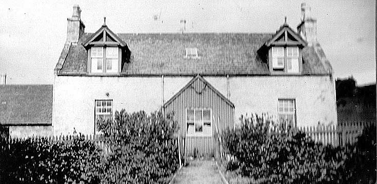 Prospect Hill Cottage, Whitehouse in 1925. This is the house where James McHardy, his wife Isabella, son James, and daughters Edith and Mary lived. [Ken McHardy]