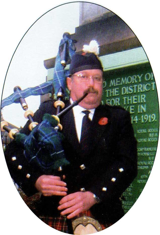 Blue MacMurchie playing the pipes in 2010.