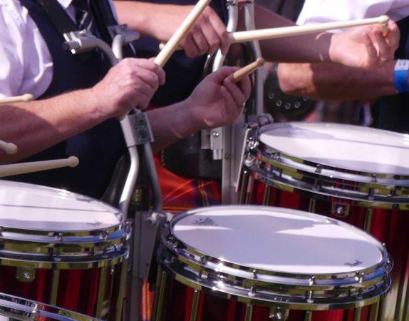 Modern pipe band drumming